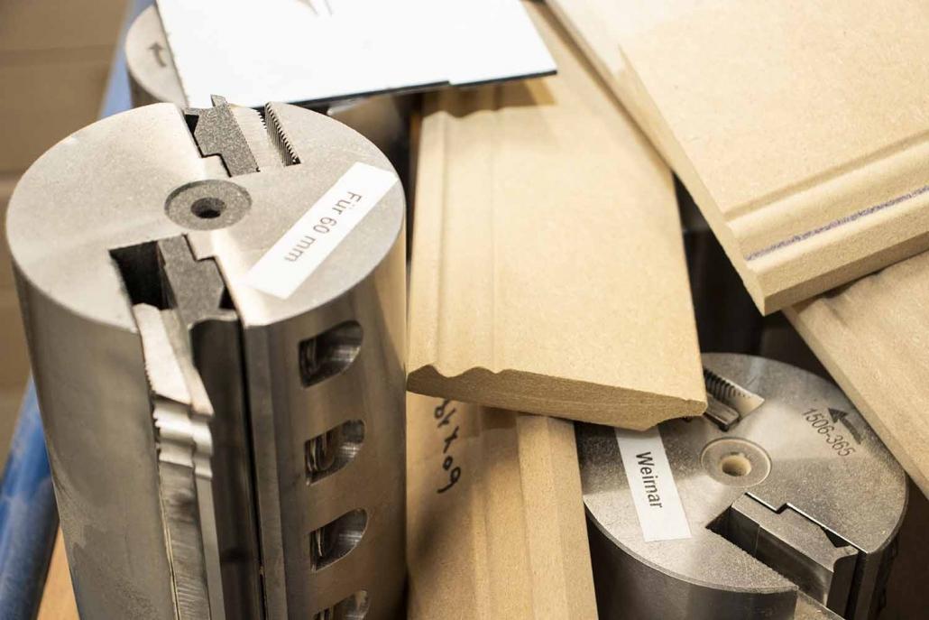 Eigener Werkzeugbau | Profilleisten | Massivholzleisten | Reese Kehlleisten | Lemgo